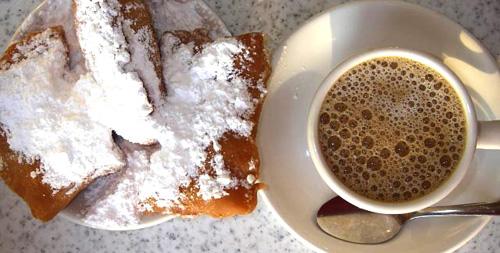 Beignets, cafe au lait at Cafe du Monde, New Orleans